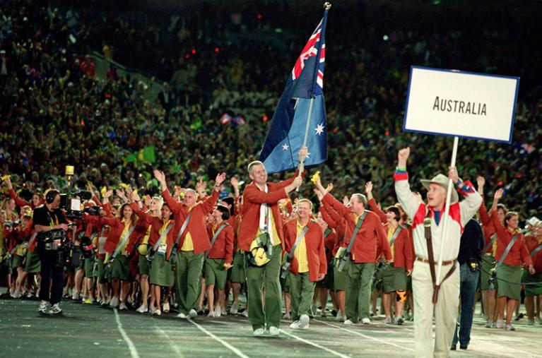 Andrew Gaze in the procession for the 2000 Olympics.