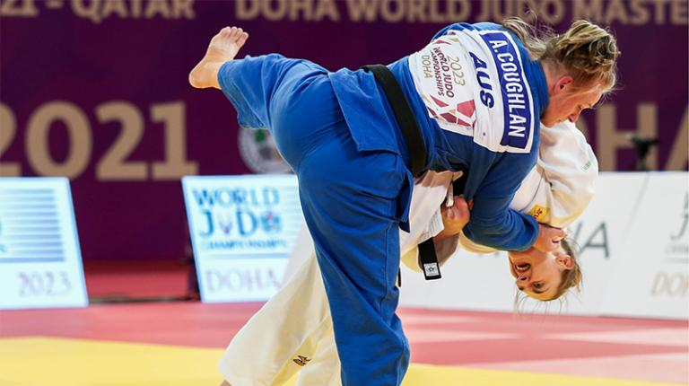 Aoife Coughlan competeing in a judo competition.