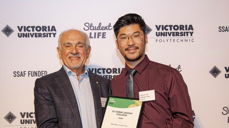 International students win VU awards